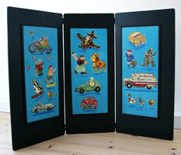 Child's three-panel, double-hinged Wind-Up Toy Screen